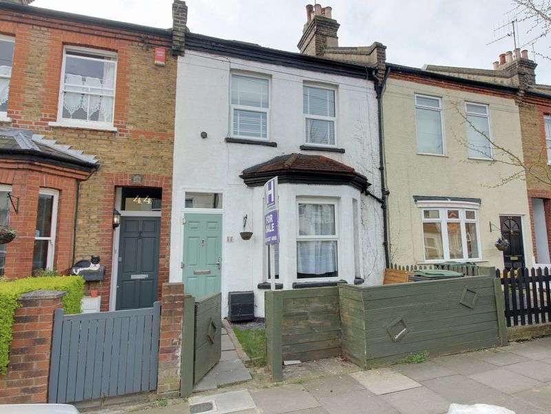 4 Bedrooms Terraced House for sale in Burlington Road, Enfield