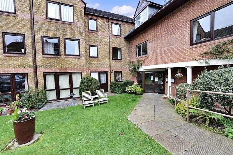 2 Bedrooms Retirement Property for sale in Hillbrook Court, Sherborne, DT9 3NZ