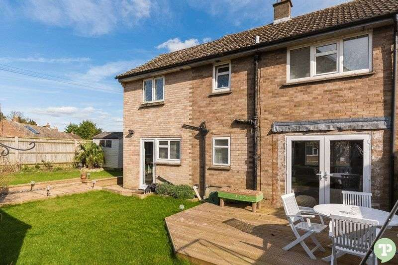 3 Bedrooms Semi Detached House for sale in Old Field, Little Milton