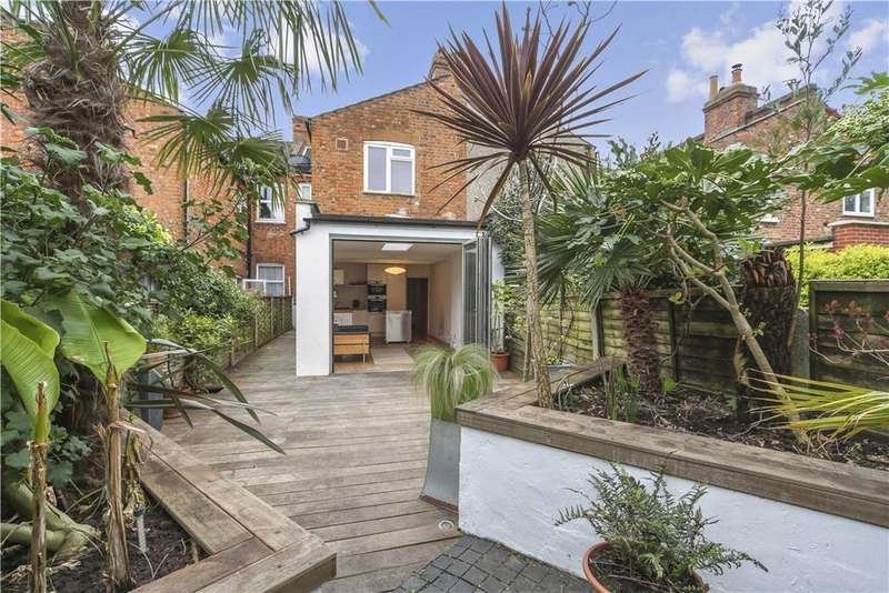 2 Bedrooms Flat for sale in Charteris Road, Queen's Park, London, NW6