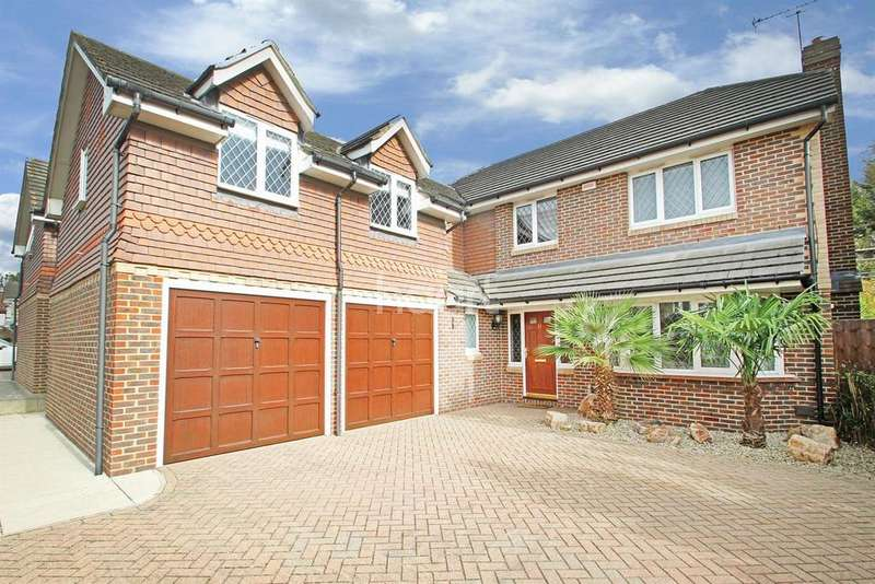 5 Bedrooms Detached House for sale in Brunel Close, RM1