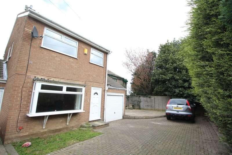 3 Bedrooms Detached House for sale in Middleton Road, Leeds, LS10