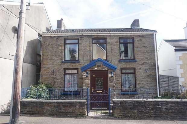 3 Bedrooms Detached House for sale in High Street, Argoed, BLACKWOOD, Caerphilly