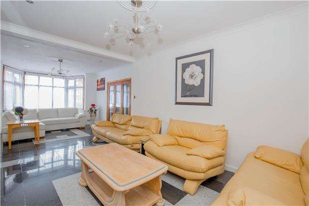 7 Bedrooms Semi Detached House for rent in Salmon Street, Kingsbury, NW9