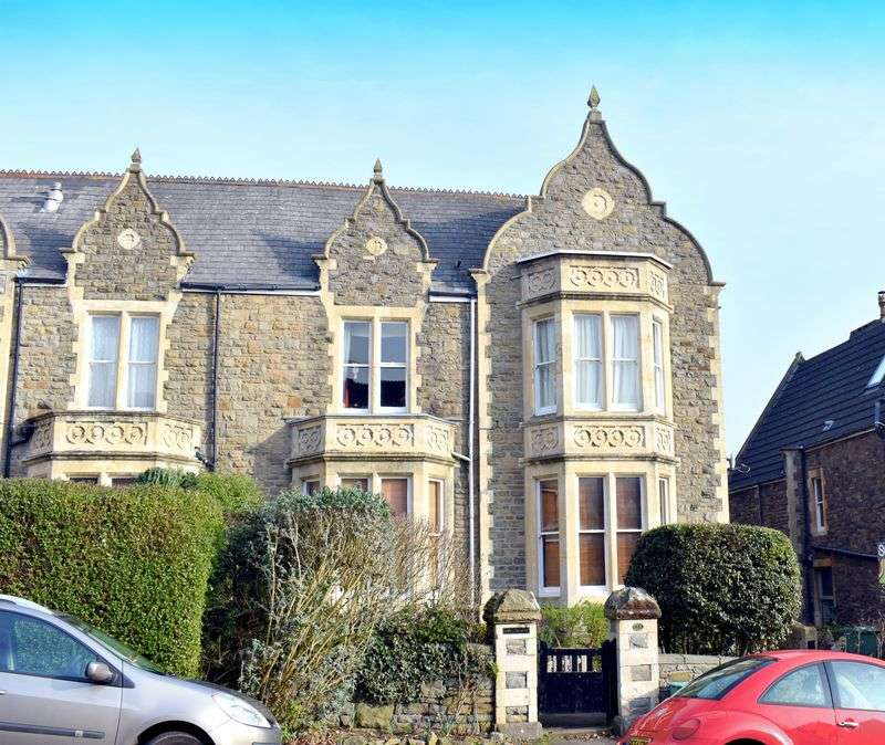 2 Bedrooms Flat for sale in St Johns Road, Clevedon