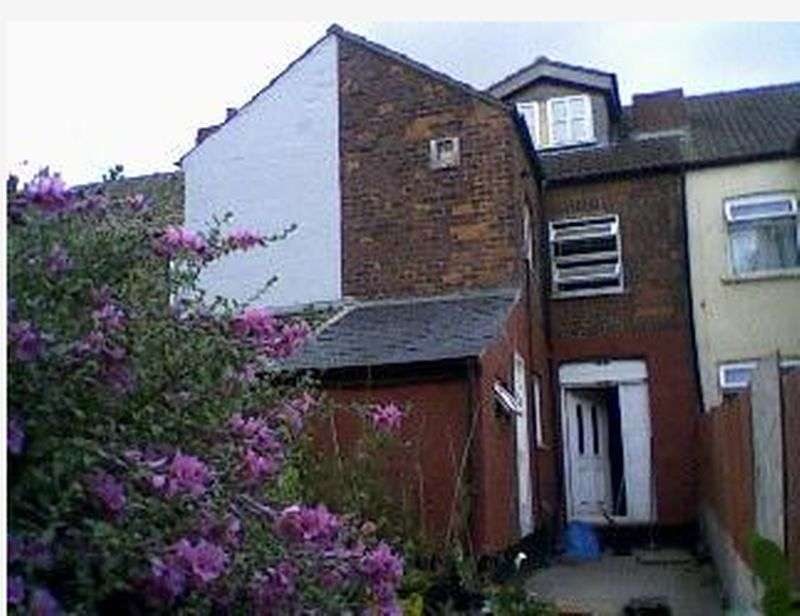 3 Bedrooms Property for sale in Staveley Street, Doncaster