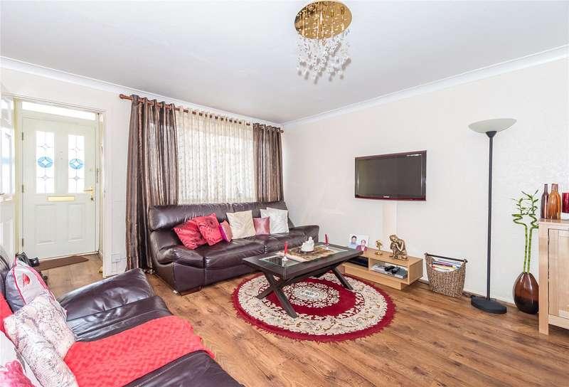 2 Bedrooms Flat for sale in Stamford Close, Harrow Weald, HA3