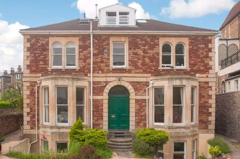 2 Bedrooms Apartment Flat for sale in Oakfield Grove, Clifton