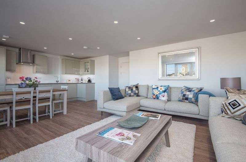 2 Bedrooms Flat for sale in Infirmary Hill, Truro