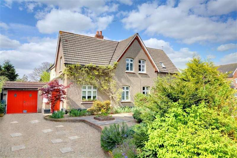 4 Bedrooms Semi Detached House for sale in Blakeney Road, Beckenham, Kent