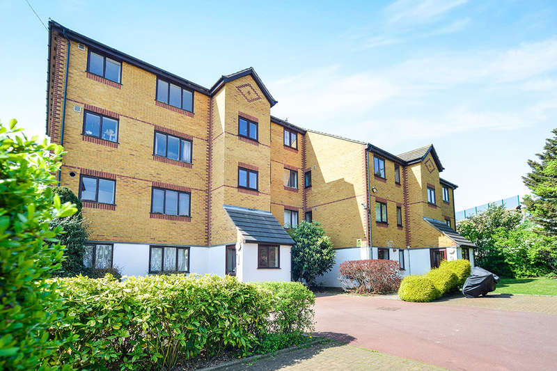 Flat for sale in Alan Hocken Way, London, E15