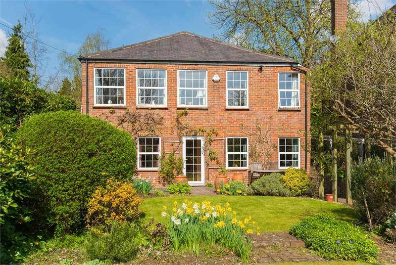 4 Bedrooms Detached House for sale in School Lane, Chalfont St Peter, Buckinghamshire