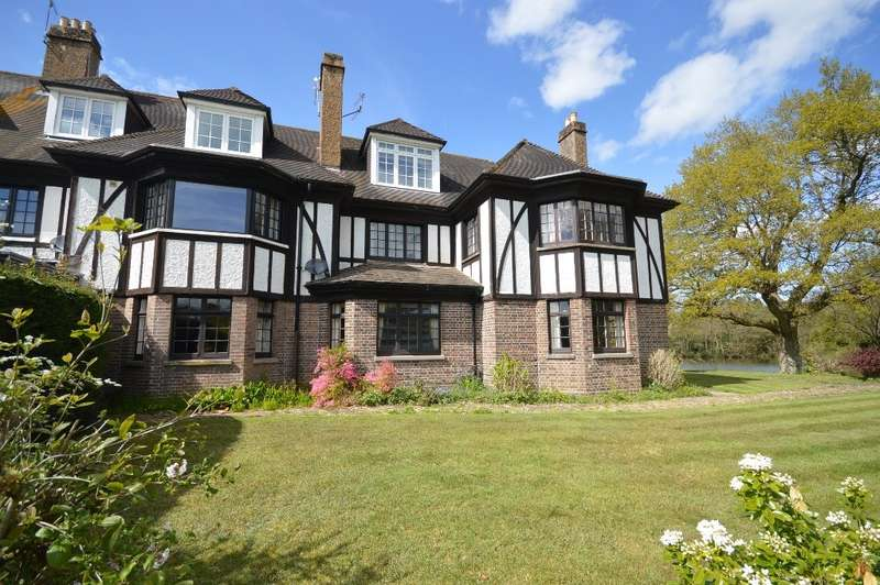4 Bedrooms Terraced House for sale in Holme Manor, Mare Hill Road, Pulborough, RH20