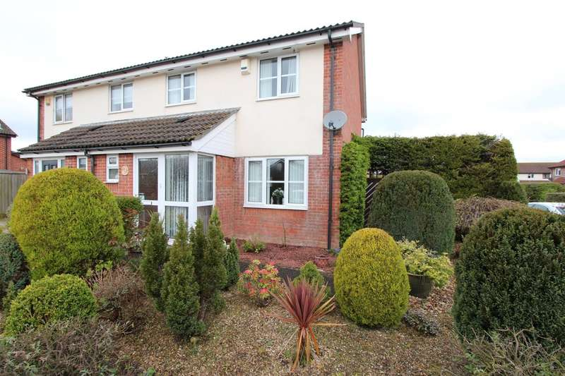 3 Bedrooms Semi Detached House for sale in HIGHCLIFFE ON SEA