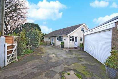 3 Bedrooms Bungalow for sale in Sidmouth, Devon