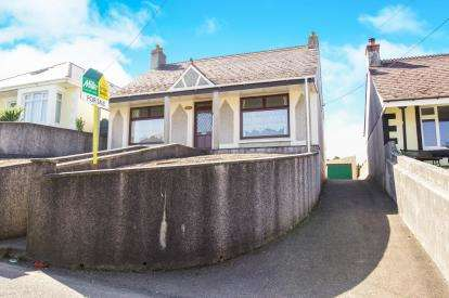 3 Bedrooms Bungalow for sale in St Dennis, Cornwall, Uk