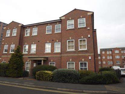 2 Bedrooms Flat for sale in Hatters Court, Stockport, Greater Manchester