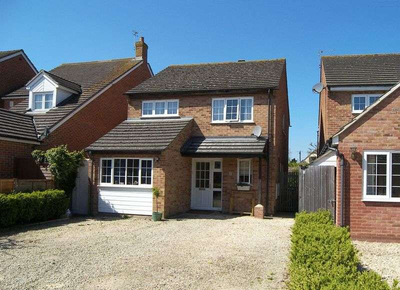 4 Bedrooms Detached House for sale in Binning Close, Drayton