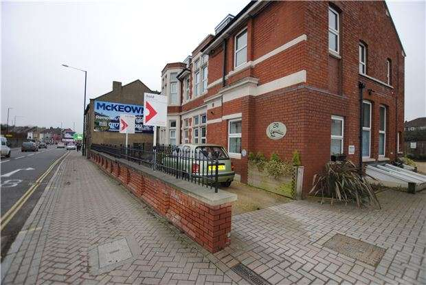 1 Bedroom Flat for sale in Plough House, Bedminster Down, Bristol, BS13 7AB