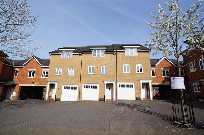4 Bedrooms House for sale in Dundee Drive, Bristol, BS16 5EZ