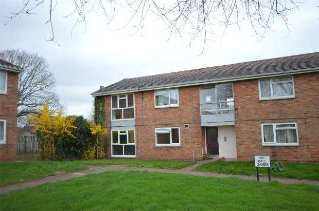 2 Bedrooms Flat for sale in Russet Avenue, Whipton, Exeter, Devon