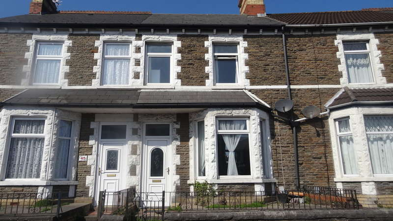 3 Bedrooms Terraced House for sale in Court Road, Barry