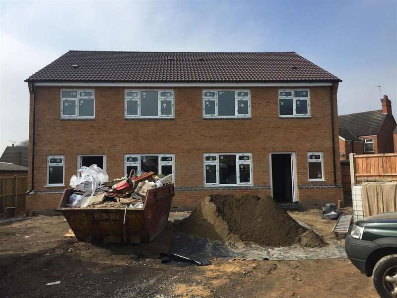 3 Bedrooms Semi Detached House for sale in Peters Avenue, Newbold Verdon, Leicester