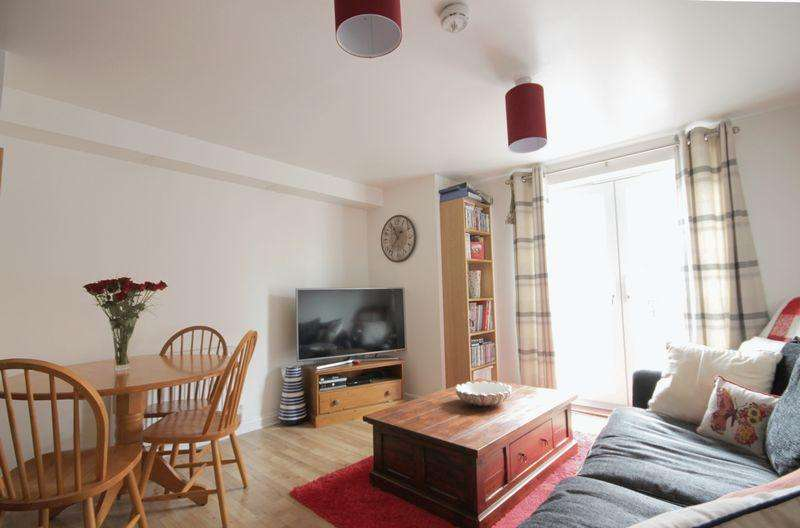 2 Bedrooms Apartment Flat for sale in MAGNUS COURT, CHESTER GREEN