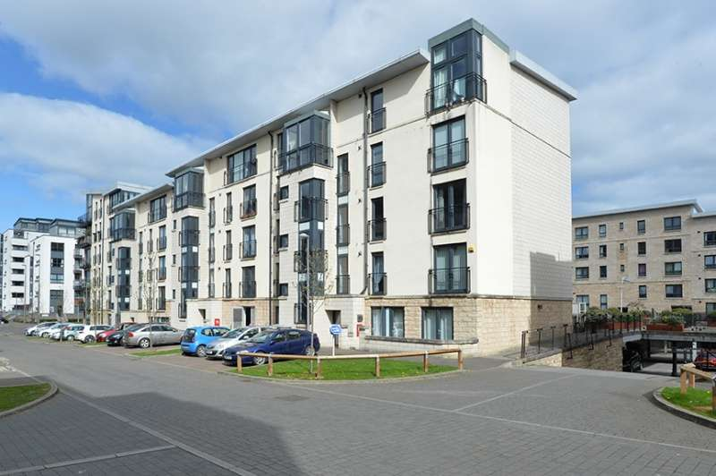 2 Bedrooms Flat for sale in Colonsay Close, Granton, Edinburgh, EH5 1BT