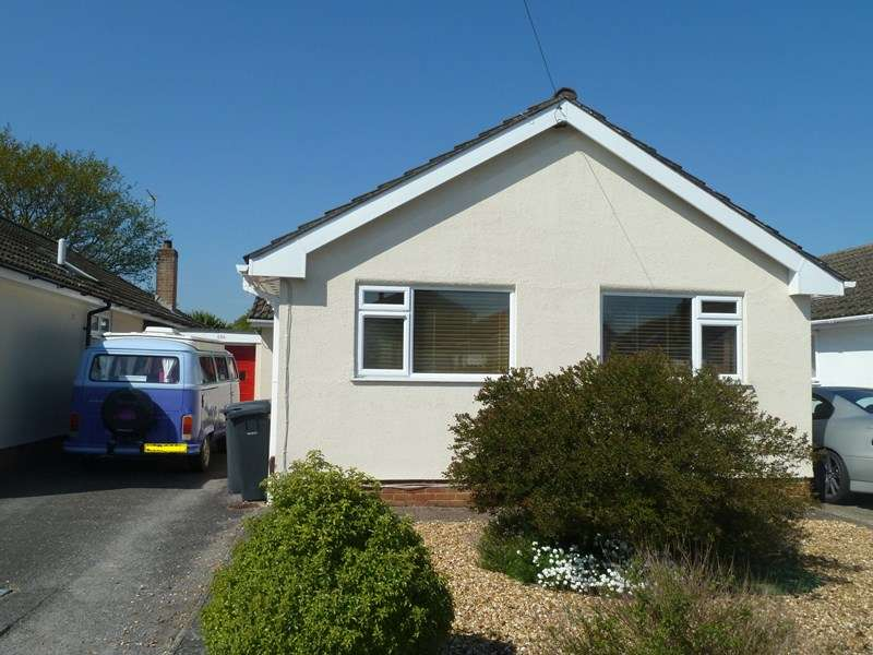 3 Bedrooms Detached Bungalow for sale in Bear Cross Avenue, Bear Cross, Bournemouth