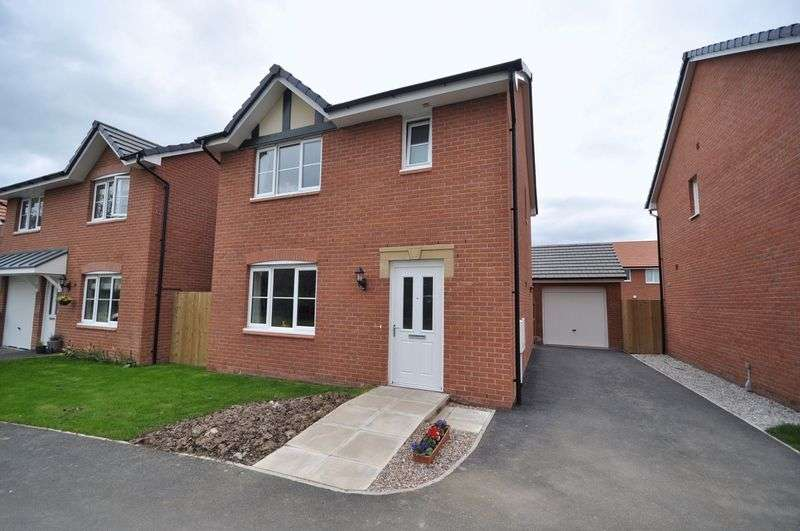 3 Bedrooms Detached House for sale in Foxglove Way, Northwich