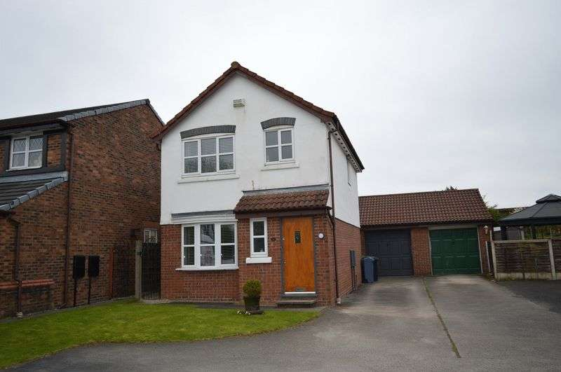 3 Bedrooms Detached House for sale in Horncastle Close, Lowton