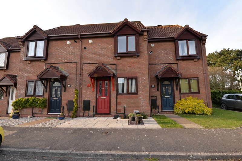 2 Bedrooms Terraced House for sale in Studley Court, Barton on Sea