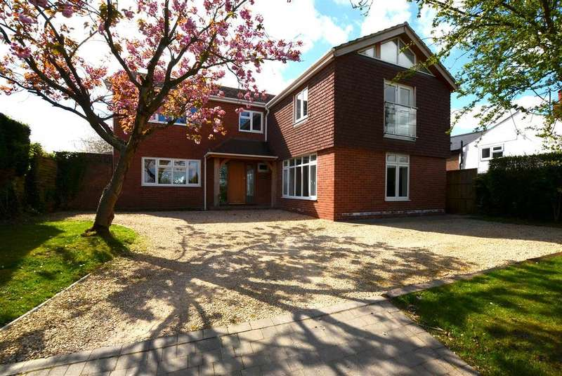 5 Bedrooms Detached House for sale in Hilcott, nr Pewsey