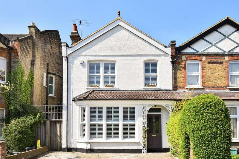 4 Bedrooms Detached House for sale in Clock House Road, Beckenham, BR3