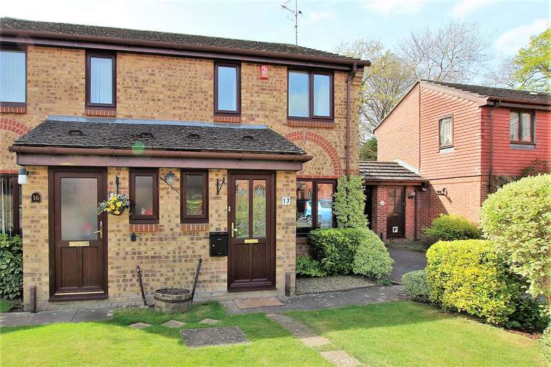3 Bedrooms Semi Detached House for sale in Walmer Close, Horsham