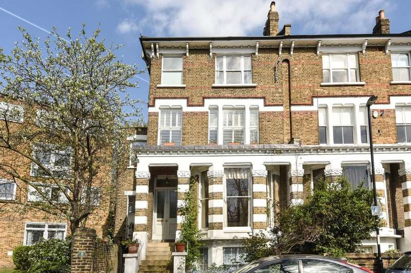 3 Bedrooms Flat for sale in Walerand Road London SE13