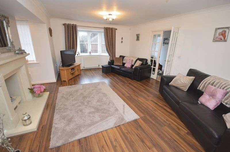 5 Bedrooms Detached House for sale in Vixen Grove, Widnes