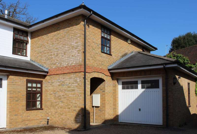 4 Bedrooms Semi Detached House for sale in 2 Wilcocks Yard