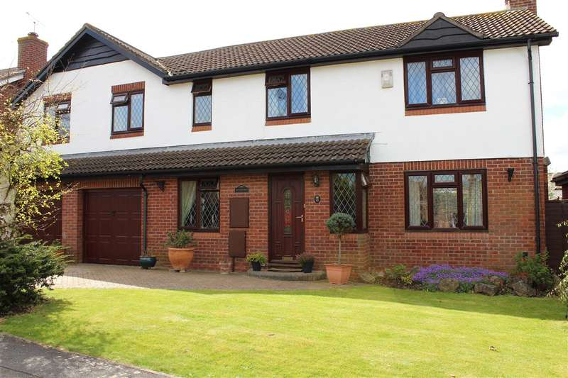6 Bedrooms Detached House for sale in Touchstone Avenue, Stoke Gifford, Bristol