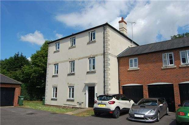 2 Bedrooms Flat for sale in Boakes Drive, Stonehouse, Gloucestershire, GL10 3QW