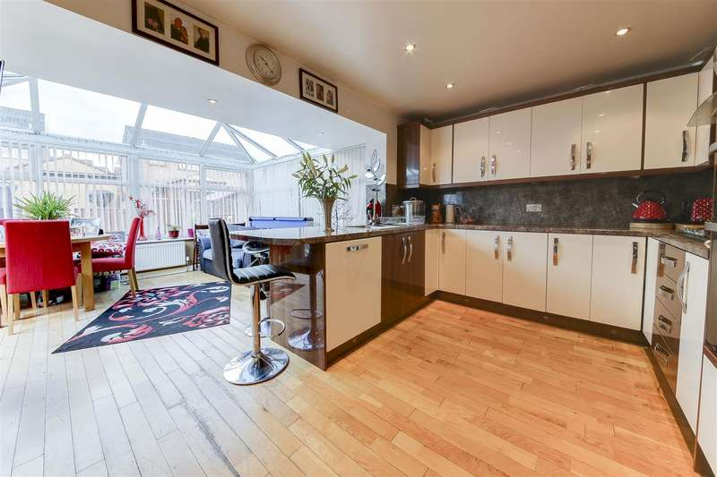 3 Bedrooms Property for sale in Mercer Crescent, Haslingden, Rossendale