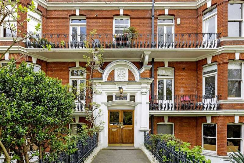 3 Bedrooms Flat for sale in Albert Mansions, Battersea, London, SW11