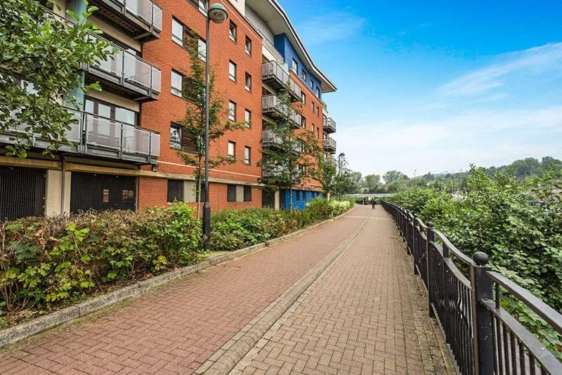 2 Bedrooms Apartment Flat for sale in Pinsent, Riverside Exchange, Millsands, Sheffield