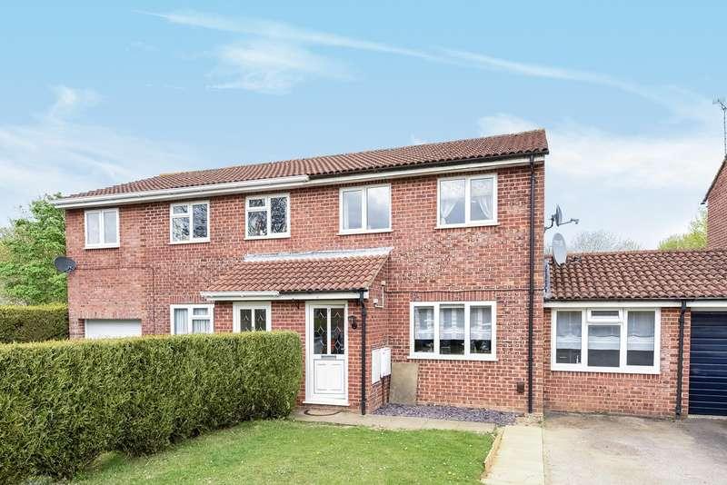 3 Bedrooms Semi Detached House for sale in Ellington Drive, Basingstoke, RG22
