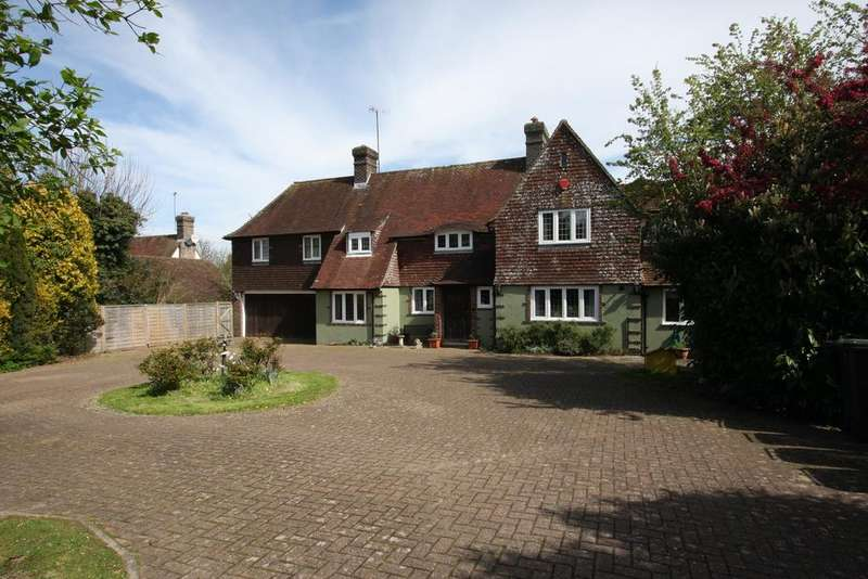4 Bedrooms Detached House for sale in Huggetts Lane, Eastbourne BN22