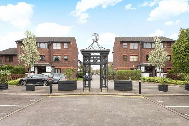 2 Bedrooms Flat for sale in Mayfield Road, Shepherds Bush, W12