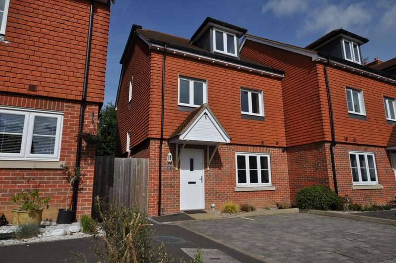 4 Bedrooms End Of Terrace House for sale in Raynham Close, Guildford