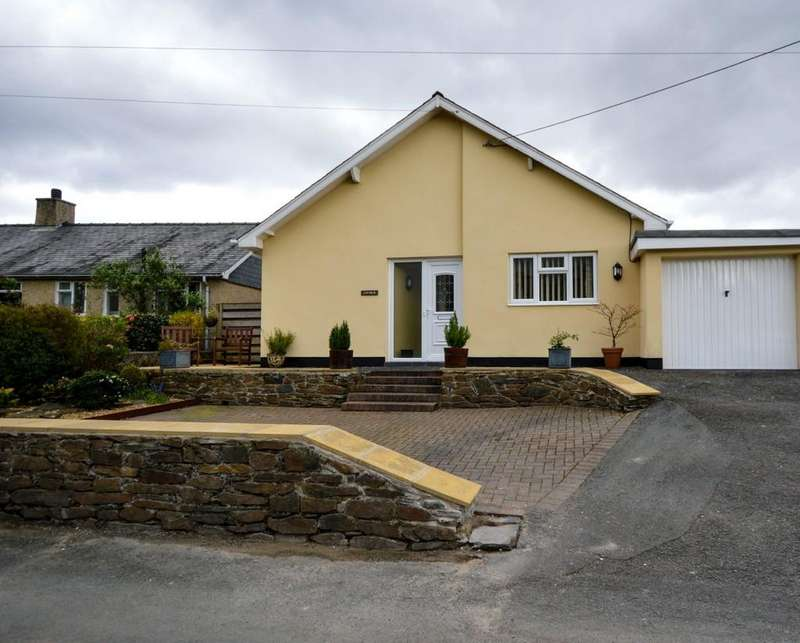 4 Bedrooms Detached Bungalow for sale in Penrhyndeudraeth, North Wales