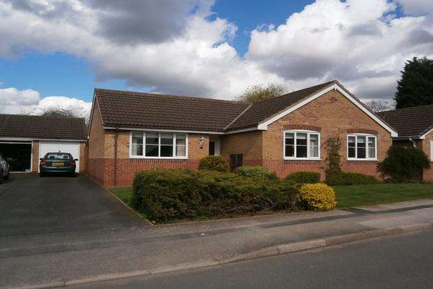 3 Bedrooms Detached Bungalow for sale in Lyncroft Leys, Scraptoft, Leicester, LE7